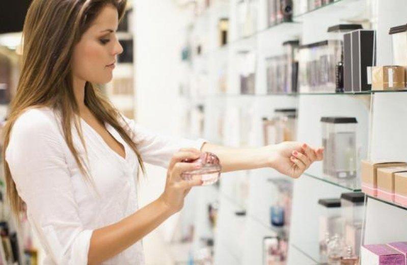 Накануне 8 марта в России могут исчезнуть популярные марки иностранного парфюма