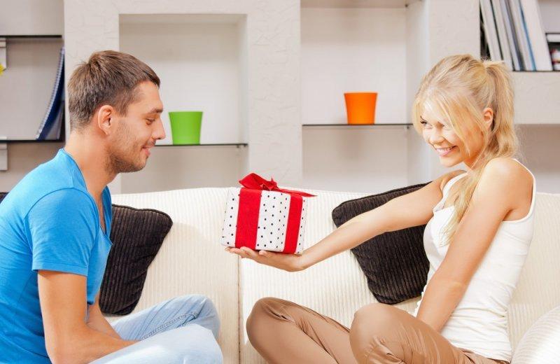 День святого Валентина : лучшие подарки для мужчин