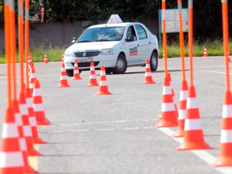Названы  самые распространенные ошибки на экзаменах по вождению в России