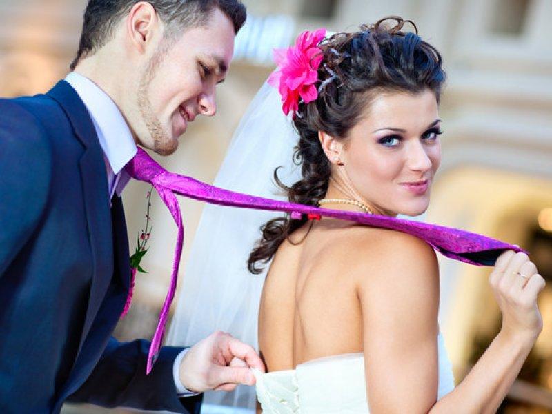 Почему молодые люди не спешат жениться?