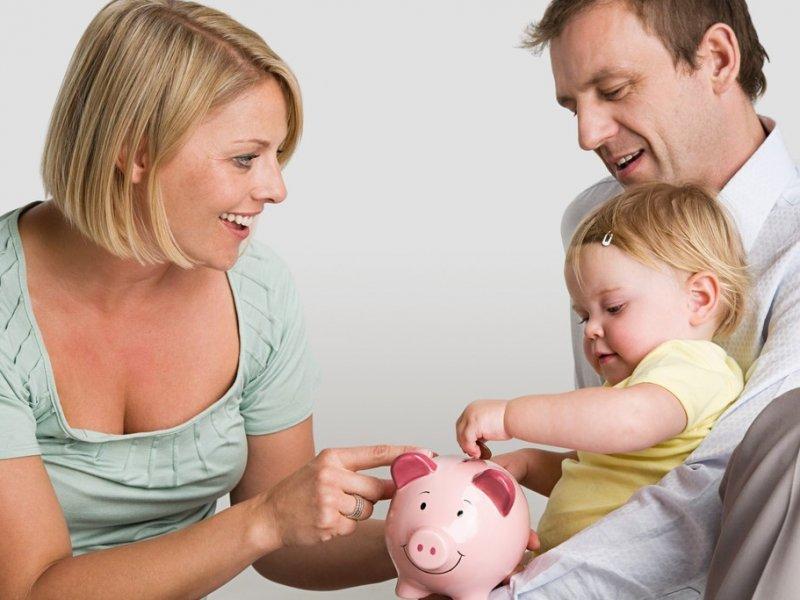 Названа необходимая сумма для российской семьи для нормальной жизни