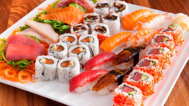 Что едят японцы: Готовим японский обед Видео Кулинария  Еда в Японии очень вкусная и сбалансированная. Сегодня мы готовим рыбу на...