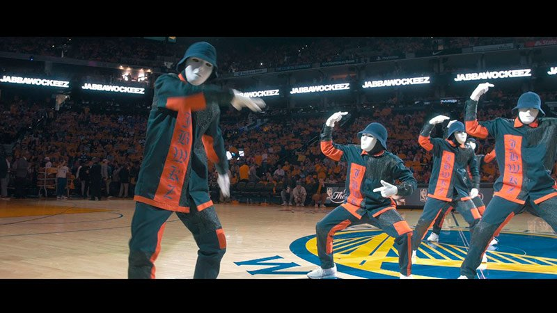 JABBAWOCKEEZ at the NBA Finals 2017 Видео Приколы  JABBAWOCKEEZ perform at the 2017 NBA Finals Championship Game halftime show -...
