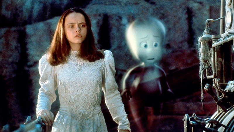 Каспер (1995) Видео Кино  Каспер, маленькое дружелюбное привидение, не желает походить на своих...