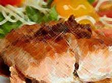 Стейки рыбные с помидорами