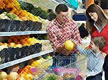 Большинство россиян покупают большую часть продуктов в торговых сетях