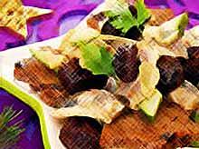 Новогодние рецепты:  вкусные салаты с черносливом