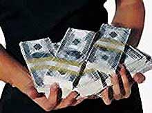 Министр финансов рассказал, что будет с долларами россиян