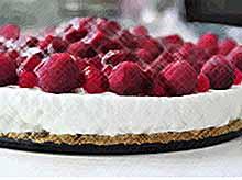 Вкусные десерты из творога и малины