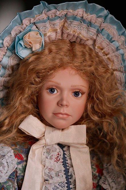 Выставка «Путешествие в мир кукол»