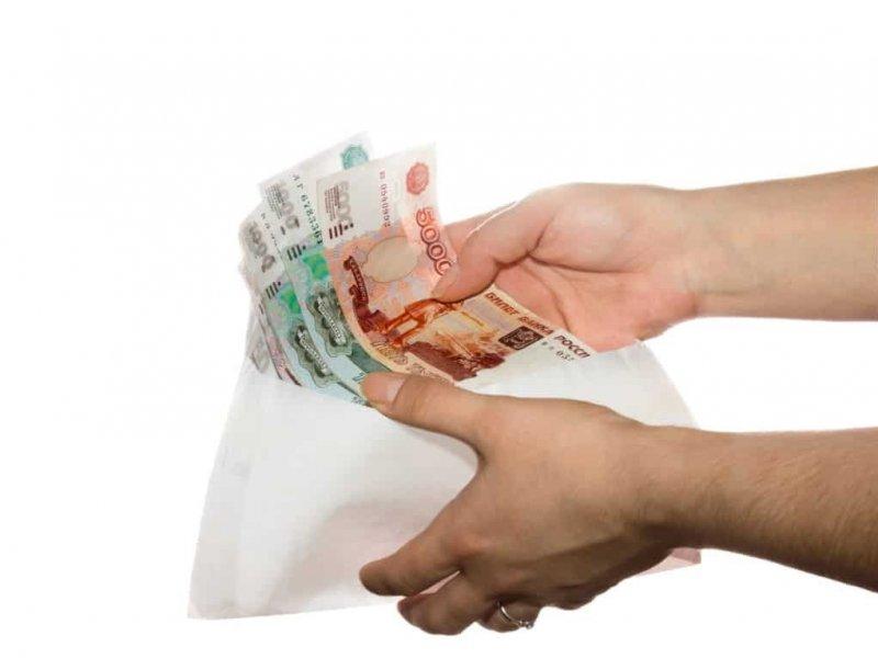 Каждый третий  россиянин согласен  на зарплату «в конверте»