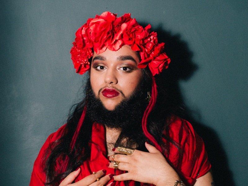 Казахская бородатая бабушка считает: борода — секрет счастливого брака