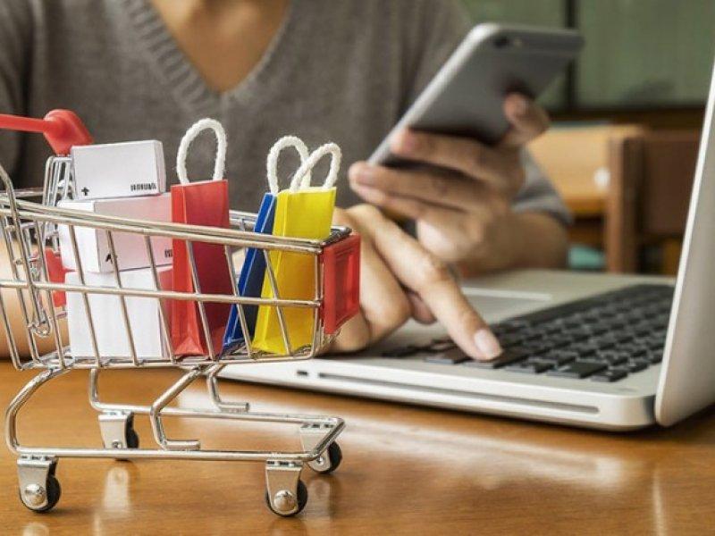 В России резко выросли онлайн-продажи во всех торговых сегментах