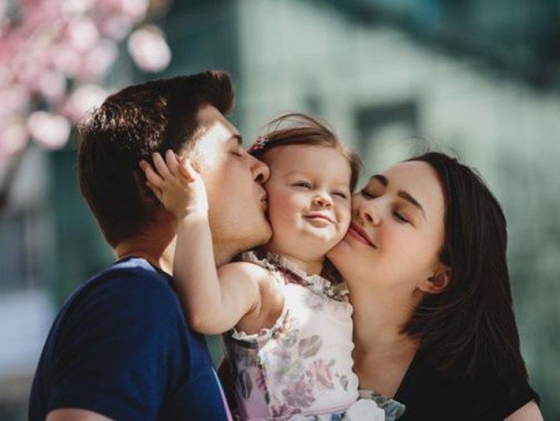 Большинство россиян считают, что нужно откладывать средства на будущее своих детей