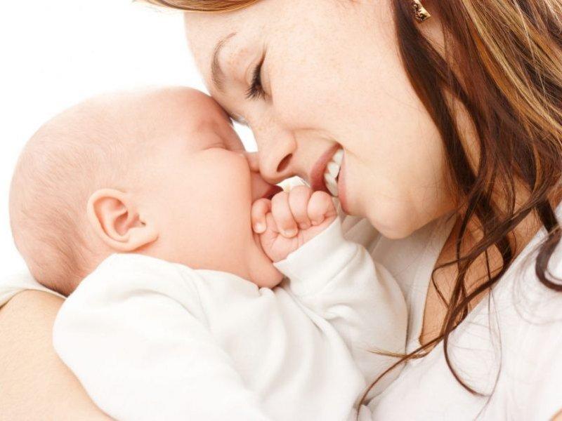 Послание 2020: выдавать материнский капитал при рождении первого ребенка