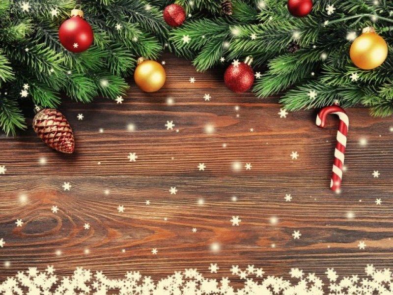 Что подарить на Новый год: коллеге, маме, любимому?