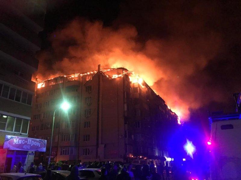 В жилом доме в Краснодаре произошел крупный пожар