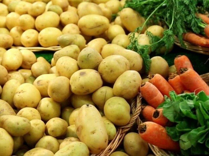 В России резко подорожали морковь и картофель
