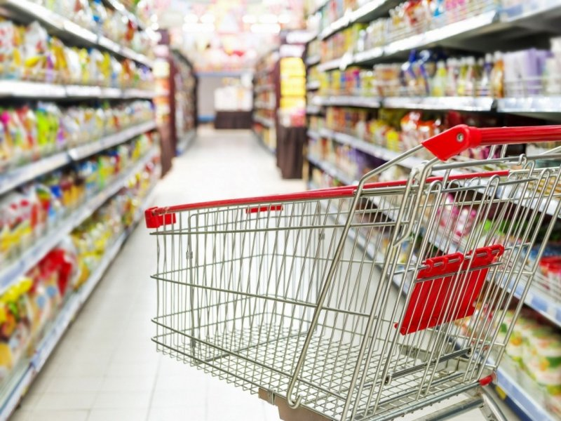 В России усилили меры по недопущению роста цен на продукты и лекарства