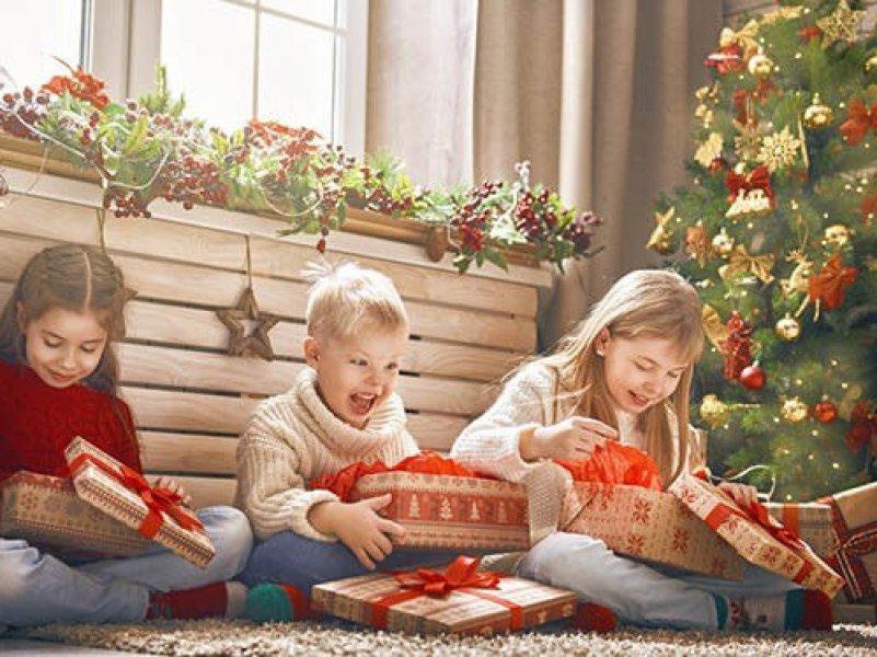 Как выбрать подарок ребенку на Новый год