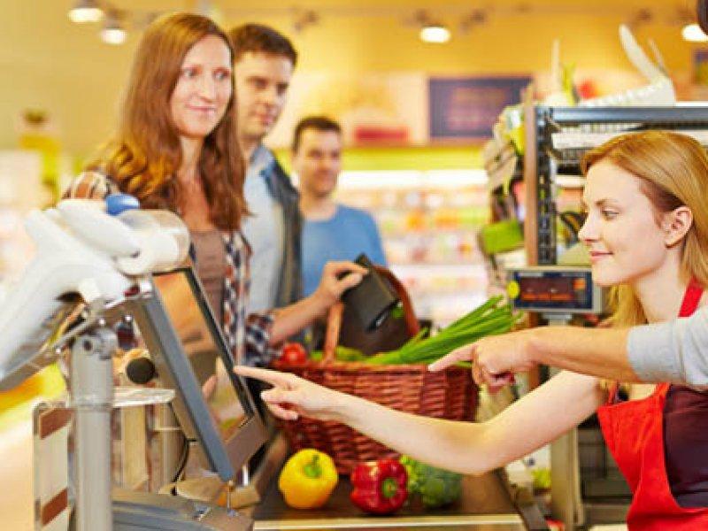 К 2020 году жители села смогут совершать банковские операции через кассы в магазинах