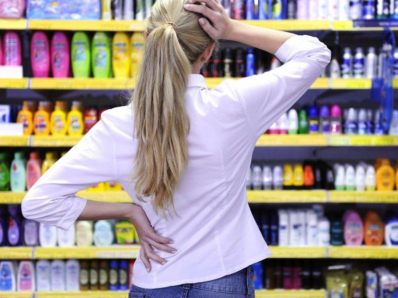 Россияне стали меньше тратить на алкоголь, косметику и одежду  из-за коронавируса