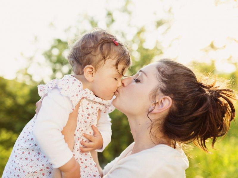 В России подписан закон об увеличении минимального пособия на первого ребенка