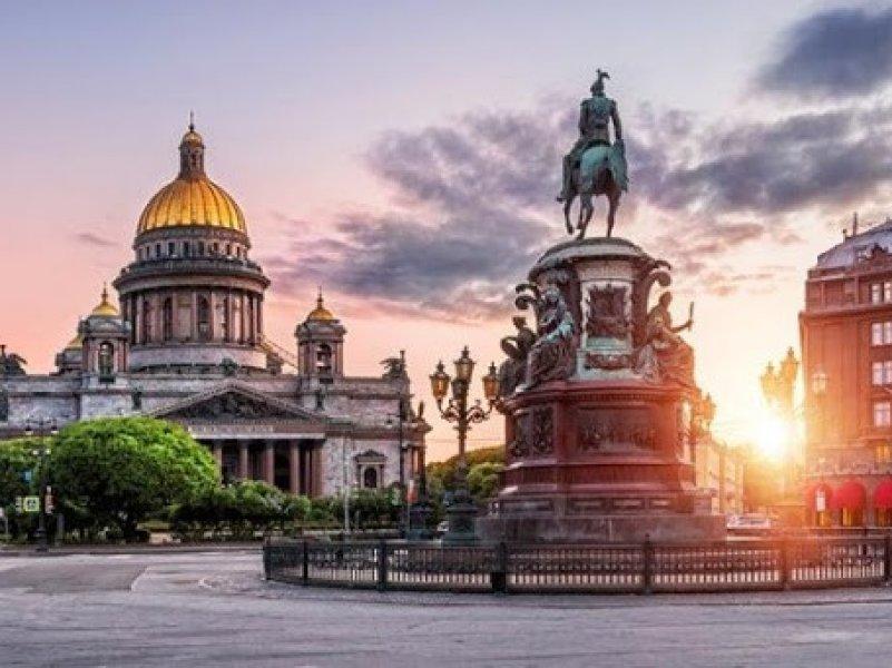 Петербург сегодня отмечает 317 лет со дня своего основания