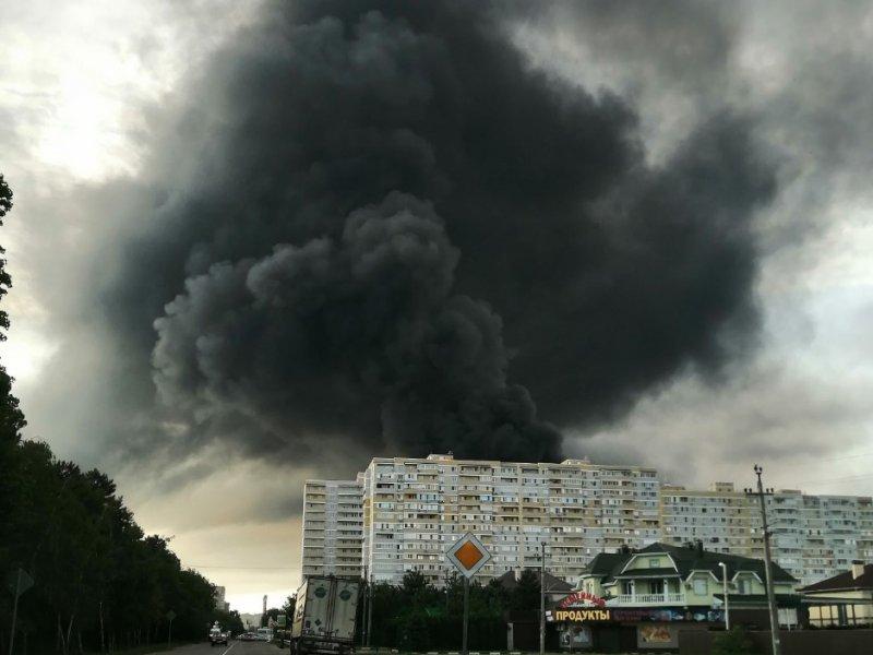 В Краснодаре произошел крупный пожар