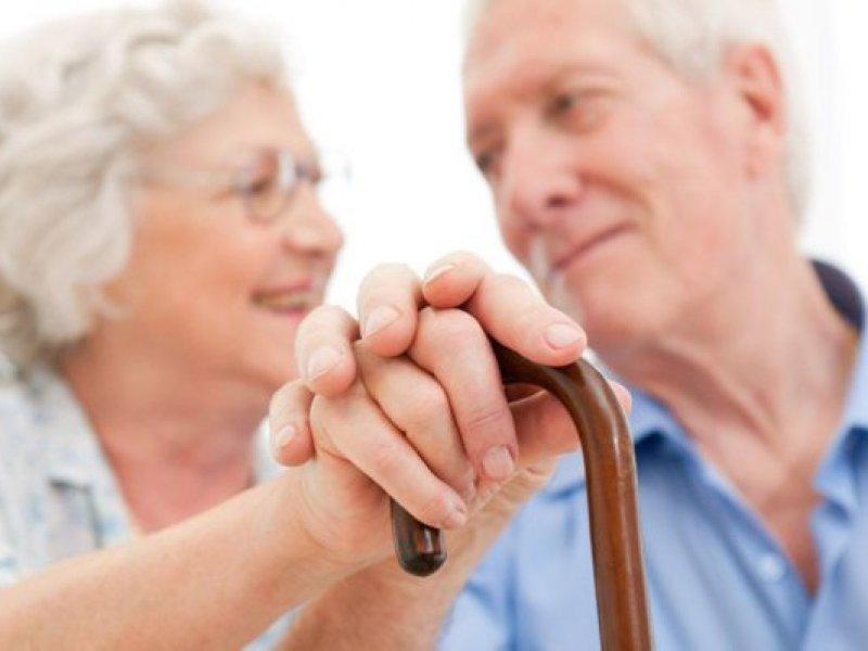 У тех, кто отметил 80-летний юбилей удваивается фиксированная выплата к пенсии