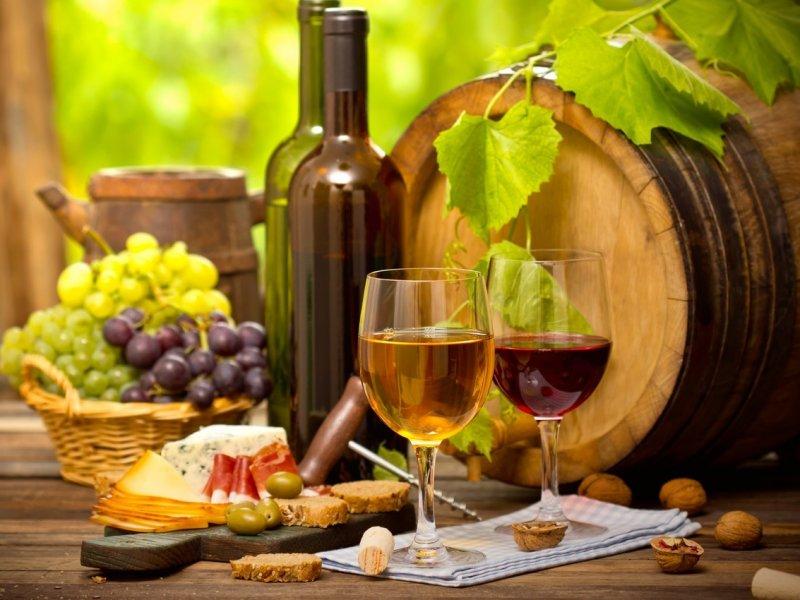 В России значительно подорожает вино