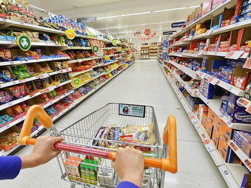 Россиянам разрешили посещать супермаркеты не рядом с домом