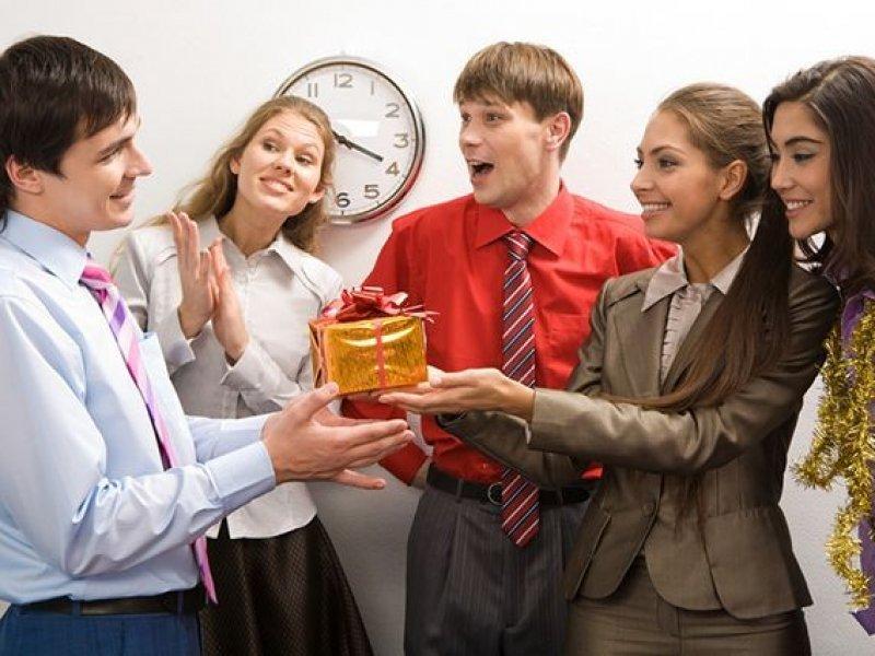 Россиянам разрешат в день рождения уходить с работы пораньше