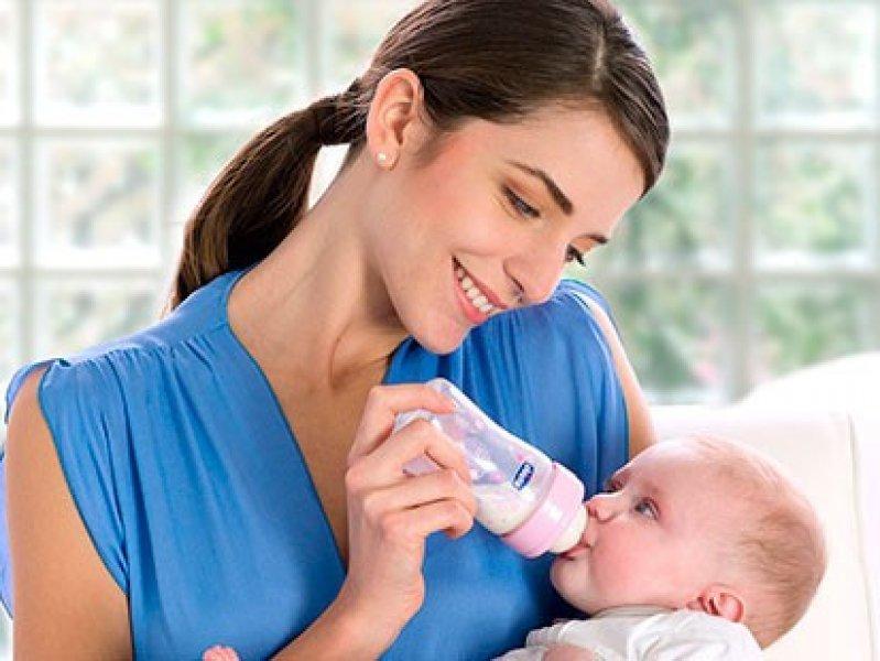 В России могут запретить рекламировать детские молочные смеси