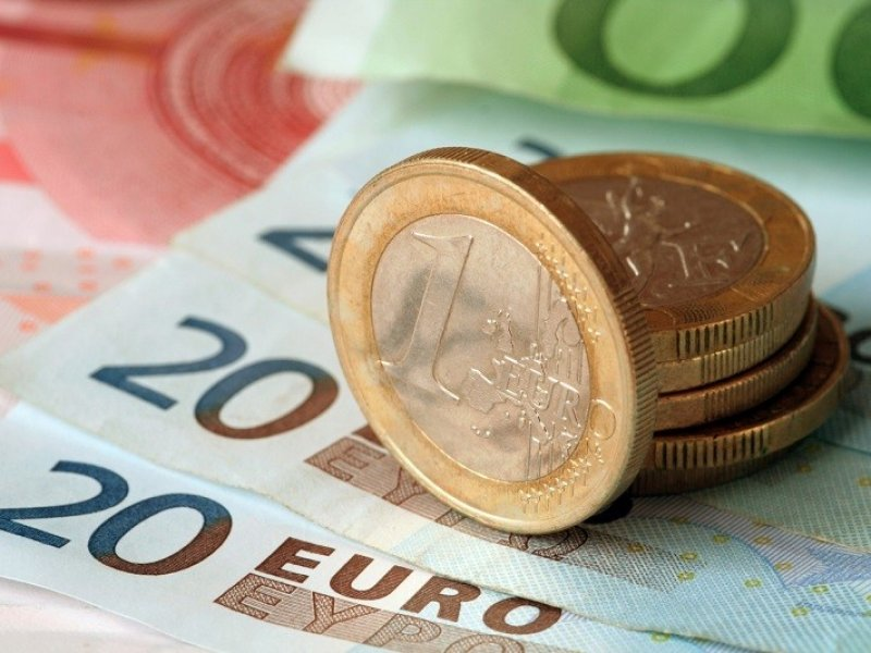 Курс евро впервые превысил 87 рублей