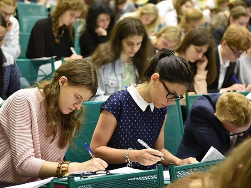 В России обучение в  вузах за год подорожало на 15–19%