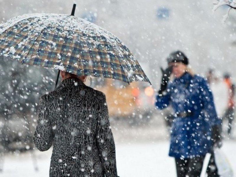 МЧС предупреждает о сильном налипании мокрого снега