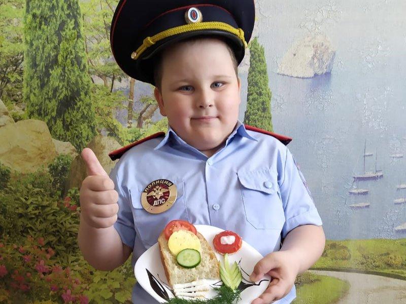 ГАИ Тимашевского района проводит фотопроект «Полезный завтрак с ГИБДД»