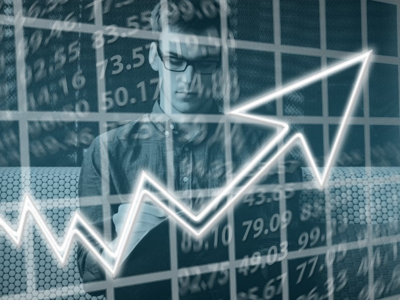 Впервые за 30 лет Россия лучше всей мировой экономики перенесла кризис