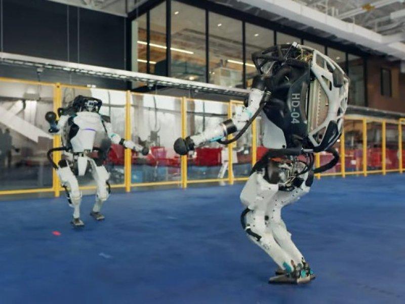 «Грязные танцы» роботов покорили сеть