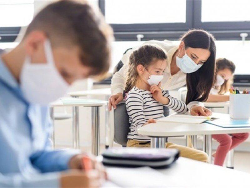 Назван срок действия правил по COVID-19 для школ и детсадов