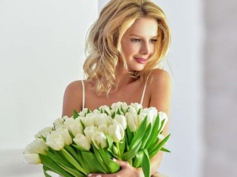 Какие цветы можно подарить на 8 Марта
