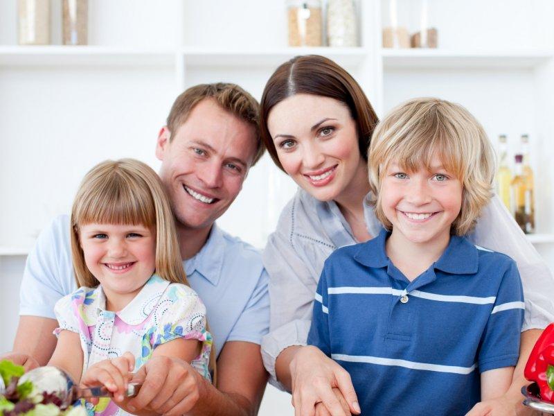 В России всем семьям выплатят по 10 тысяч рублей на каждого ребенка от 3-х до 16 лет