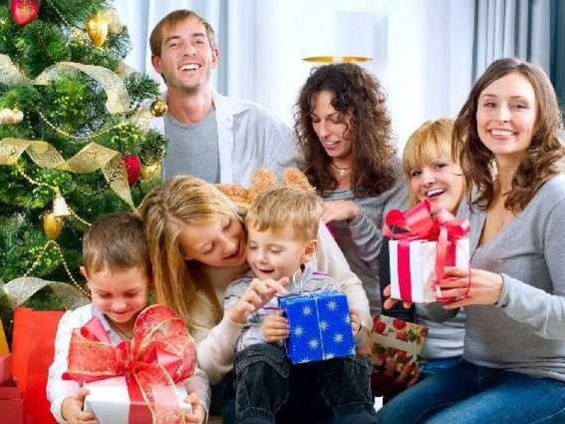 В России рекордно  вырос спрос на товары для праздников
