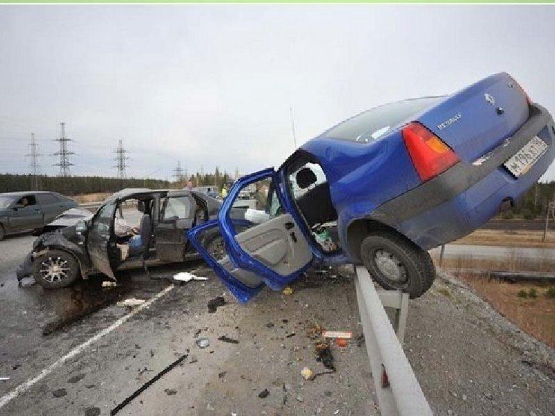 В России предлагают  водителей-лихачей арестовывать на 15 суток