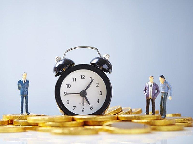 В России хотят ввести почасовую оплату труда