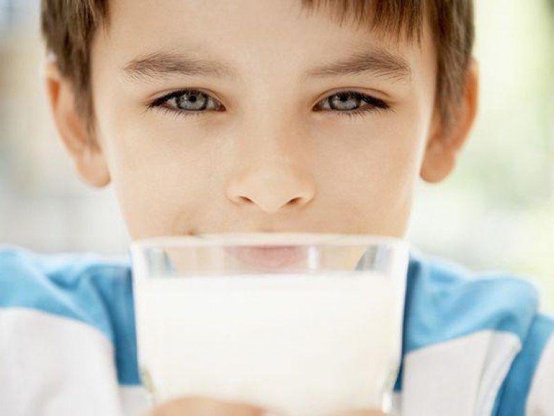 В России обеспечат детей молоком в школах