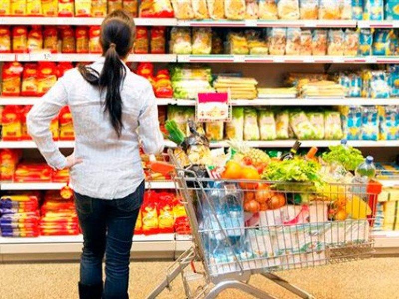 Жители России стали больше тратить денег на продукты питания