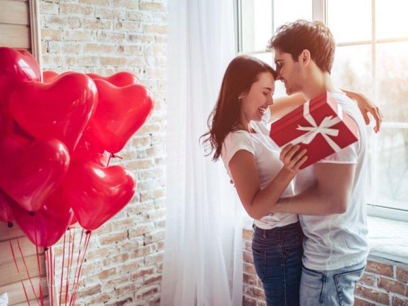 Россиянки назвали лучшие подарки на День святого Валентина