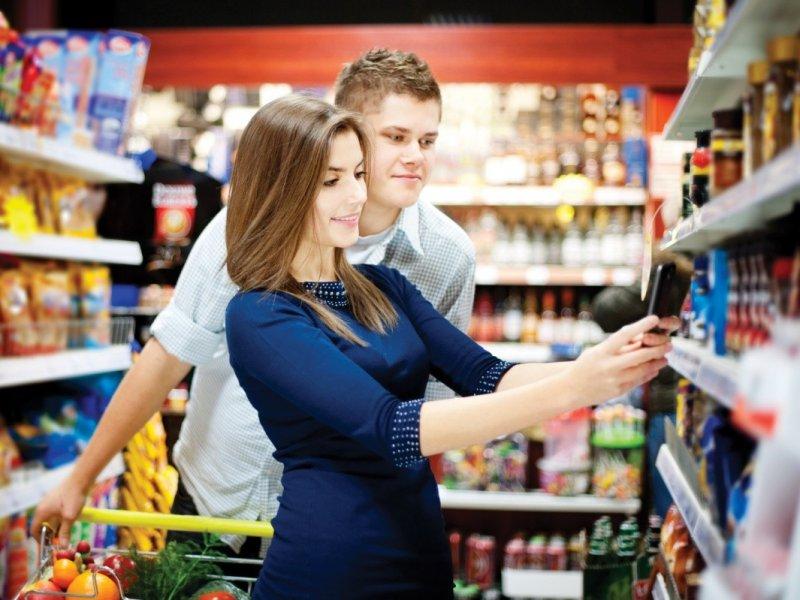 Большинство российских покупателей предпочитают делать покупки в обычном  магазине
